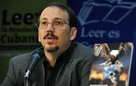 El coronel Alejandro Castro Espín, hijo y asistente personal de Raúl Castro, durante la presentación de su libro Imperio del Terror (2009) - alejandrocastro