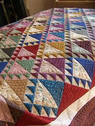 17 Best images about cloth on Pinterest   Alabama, Lakes and ... & Lady of the Lake quilt: quilting by Borderline Quilter. Curved  crosshatching and a feathered Adamdwight.com