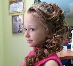 Прически на средние волосы выпускной 4 класс. Pricheski Dlya Devochek Na Vypusknoj Krasivye Detskie Na Srednie Ili Dlinnye Volosy V Detskij Sad S Petlej