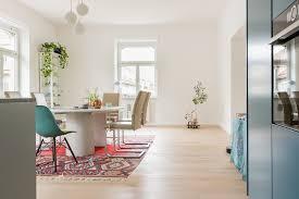Esszimmer Holzboden Wohndesign