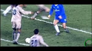 Ronaldinho goal chelsea 2005... - YouTube