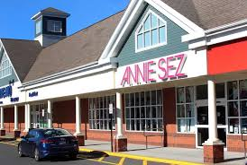 customers who used a credit or debit card at this annie sez location in danbury