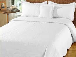 Bedroom: Superking Quilted Bedspreads With White Blanket Mattress ... & Interesting Quilted Bedspreads For Modern Bedroom Design Ideas Decoration:  Superking Quilted Bedspreads With White Blanket Adamdwight.com