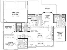house plans with in law suite floor