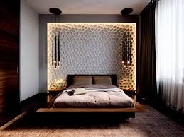 Schlafzimmer Brombeer Streichen Beispiele Graues Bett Dachschrage