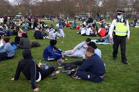 A man was beaten and stabbed in front of shocked eyewitnesses in london's hyde park. Schoolgirl 15 Stabbed As Fight Breaks Out At 4 20 Weed Day Gathering In Hyde Park