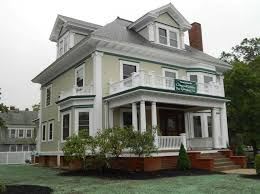painting exterior houseHow much to paint exterior of house with green and white paint