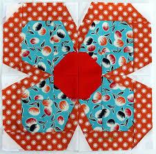 Paper Piecing Flower Zakka Flower Block Wombat Quilts