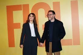 Figli: Valerio Mastandrea e Paola Cortellesi presentano l ...
