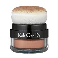 what makeup brand has been around for 25 years was discovered by hollywood only last year and now has the head makeup artists of glee and mad men and