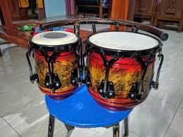 Alat musik ritmis yaitu alat musik untuk menciptakan irama (ritme) saat dimainkan, misalnya: Gendang Koplo Mika Serbuk Besi Ketipung Alat Musik Lainnya Musik Hobi Koleksi Bukalapak Com Inkuiri Com