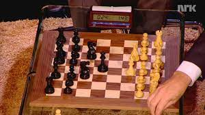 Skavlan: Magnus Carlsen VS Bill Gates - YouTube
