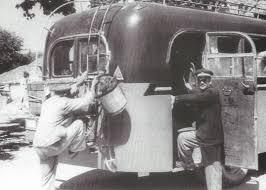 Αποτέλεσμα εικόνας για αποσκευες σε παλιο λεωφορειο