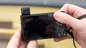 Video: Sony Cyber-shot DSC-RX100 VII first look: Digital ...