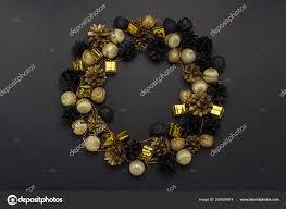 Zapfen Und Nüsse Golden Schwarz Weiße Farben