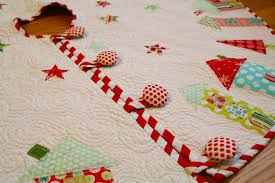 Quilted Christmas Tree Skirt - Christmas Decor Inspirations & Quilted Christmas Tree Skirt Adamdwight.com