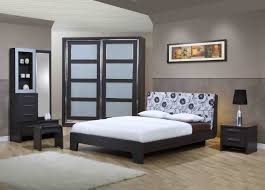 Simple Traditional Bedroom Decor With Nice Dark Wooden Furniture - Traditional bedroom decor