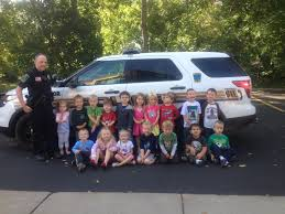 officer vierling visits sunnyhill pre
