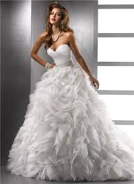 ball gown sweetheart puffy organza wedding dress with pearls beading
