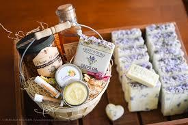 um gift basket raw honey and hive gift baskets homemade soap lotion bar lip balm nut honey and honey cans honey sticks herie bee farm