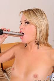 XXX porn Point foto Horny Anilos Jessie Fontana masturbates with.