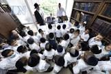"""בְּדִידִי הַוֶה עוּבְדָא • ילדי הת""""ת עלו לבית המנהל לשמוע סיפורים על החזון איש זצ""""ל"""