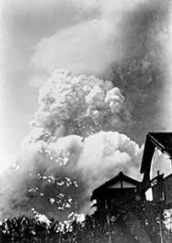 Image result for 原水爆きのこ雲