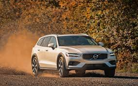 Download wallpapers Volvo V60 T5 Cross ...