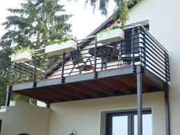Beim thema balkon streichen kommt häufig die frage auf, wie man mit einem balkongeländer aus metall. Vorstellbalkon Balkon Gelander Design Balkonentwurf Balkon Bauen