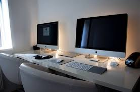 Such was the case with this simple yet gorgeous dual desk setup, combined  together into a single long workspace. The setup creates work areas that  are ...
