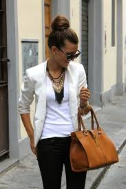 simple and stylish outfits with top bun0001