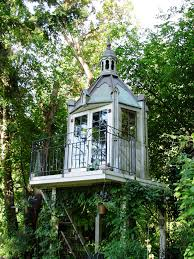 Tree House, Seattle, Wa photo by shedstyle. cute, have a little overstuffed