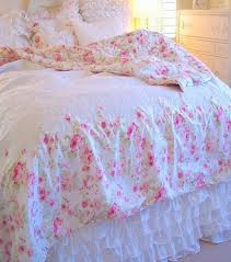 beautiful summer bedding for your beach house cottage or romantic shabby chic home measures 86 x 92 inches