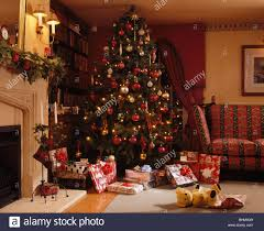 Of Living Rooms Decorated For Christmas Country Christmas Tree Living Room Stock Photos Country