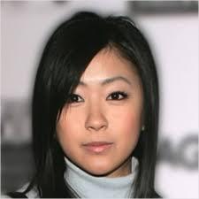 まるで昭和の活動家宇多田ヒカルの老け顔ショートボブ表紙が痛すぎる