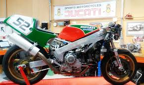 now rebuilt into it s cur guise it once again forms a key part of the sports motorcycles race team and will be caigned in the pre 89 f1 post