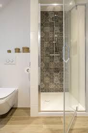 standard shower door sizes selecting