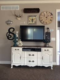 Wall Design For Flat Screen Tv Gallery Wall Designing Around A Flat Screen Tv Decor Antlers