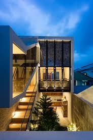 Half Roof House / AD+ studio