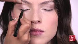 makeup tutorial get zooey deschanel s next door look with these makeup tips