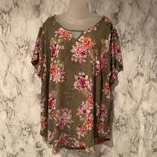 Torrid Size 4 Floral Flower Print Blouse Shirt Top
