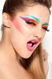 design and apply makeup