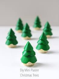 DIY MINI PLASTER CHRISTMAS TREE DECORATIONS. | Gathering Beauty