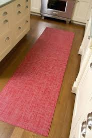 chilewich floor mats crate and barrel rug in mini color tomato this is the best easy