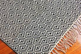 diamond pattern area rug hand woven 3 x 6 black and white sisal
