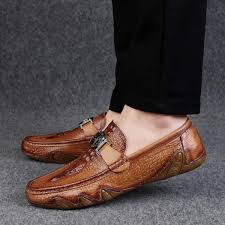 2018 new fashion driving shoes men s office genuine leather shoes male flat loafers luxury brogues footwear
