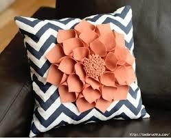 DIY Decorative Felt Flower Pillow