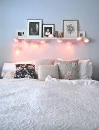 Wohnzimmer, schlafzimmer, flure, esszimmer, bad und co.: Blumen Lampen Als Deko Im Schlafzimmer Lampschlafzimmer Raumdekoration Zimmer Gestalten Dekoration Wohnung
