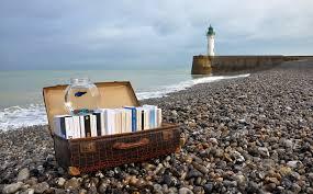 """Résultat de recherche d'images pour """"book suitcase"""""""