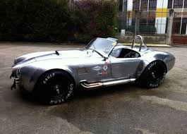 ac cobra. accelerating in a ac cobra 427 is mind-blowing and terrifying ac